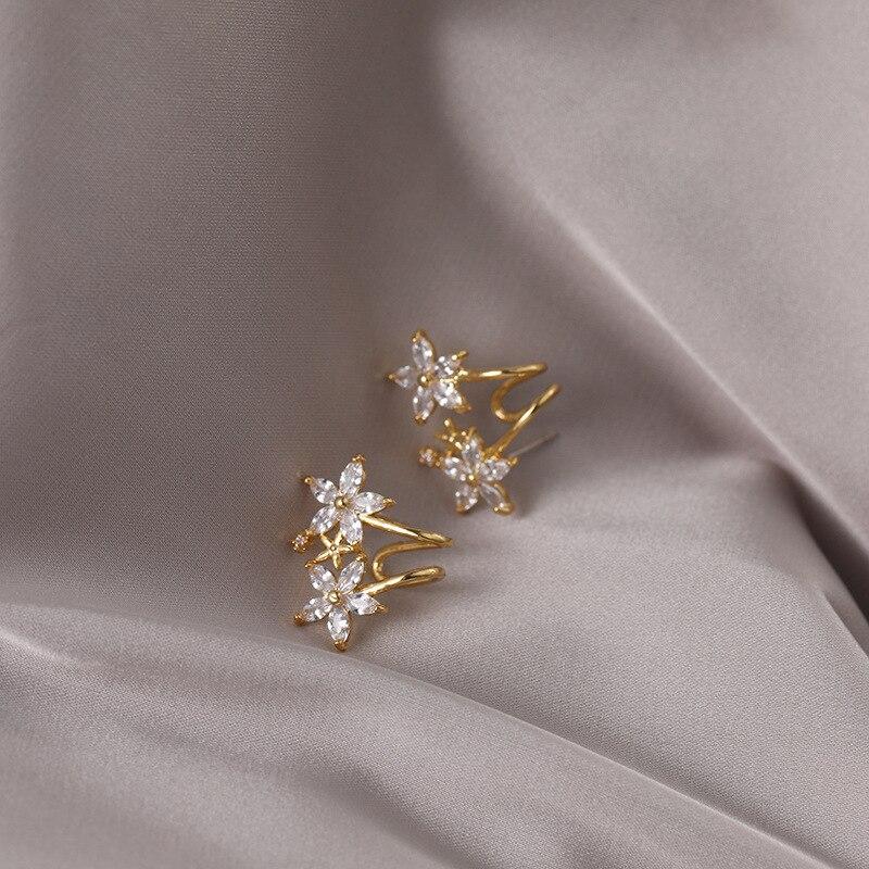 2020 New Arrival Geometric Metal Women Classic  Stud Earrings Women Simple Small   Flower  Earrings Female Small Jewelry