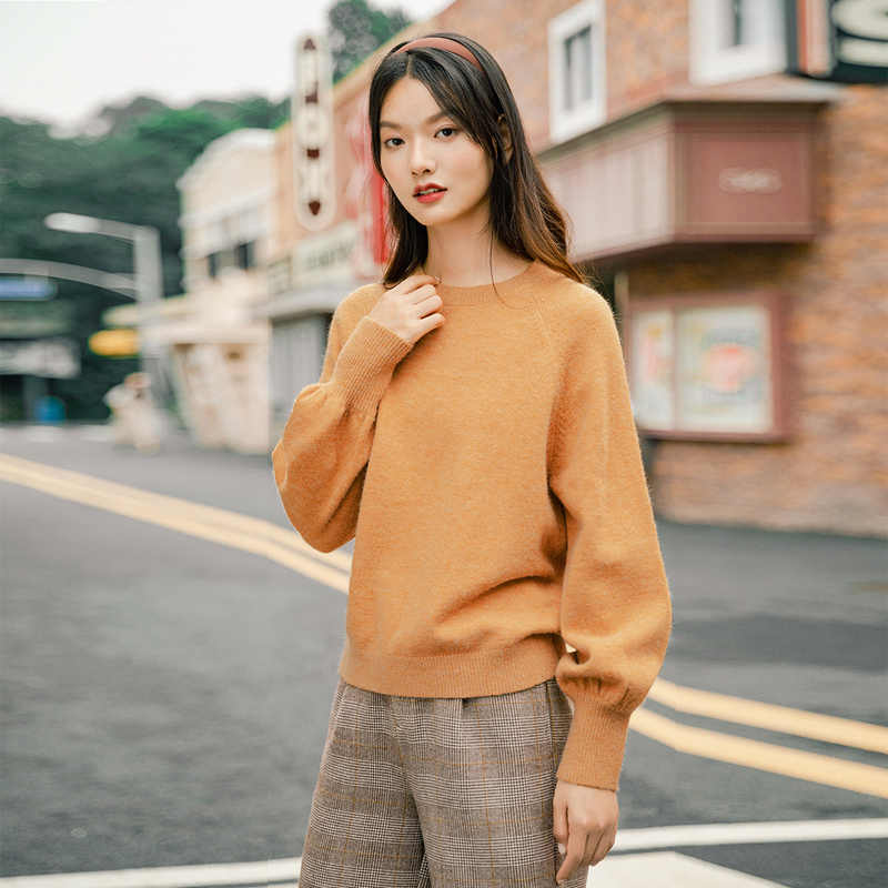 INMAN Winter 2020 Retro Style Lantern Style Loose Shape Round Collar Solid Color Pullover Knitwear Women Sweater
