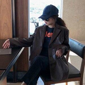 Image 4 - LANMREM 2020 jednokolorowy Pu skórzany luźny, z klapami jednorzędowy vintage kurtka z charakterem jesień nowy szczupły płaszcz kobiety 19B a563