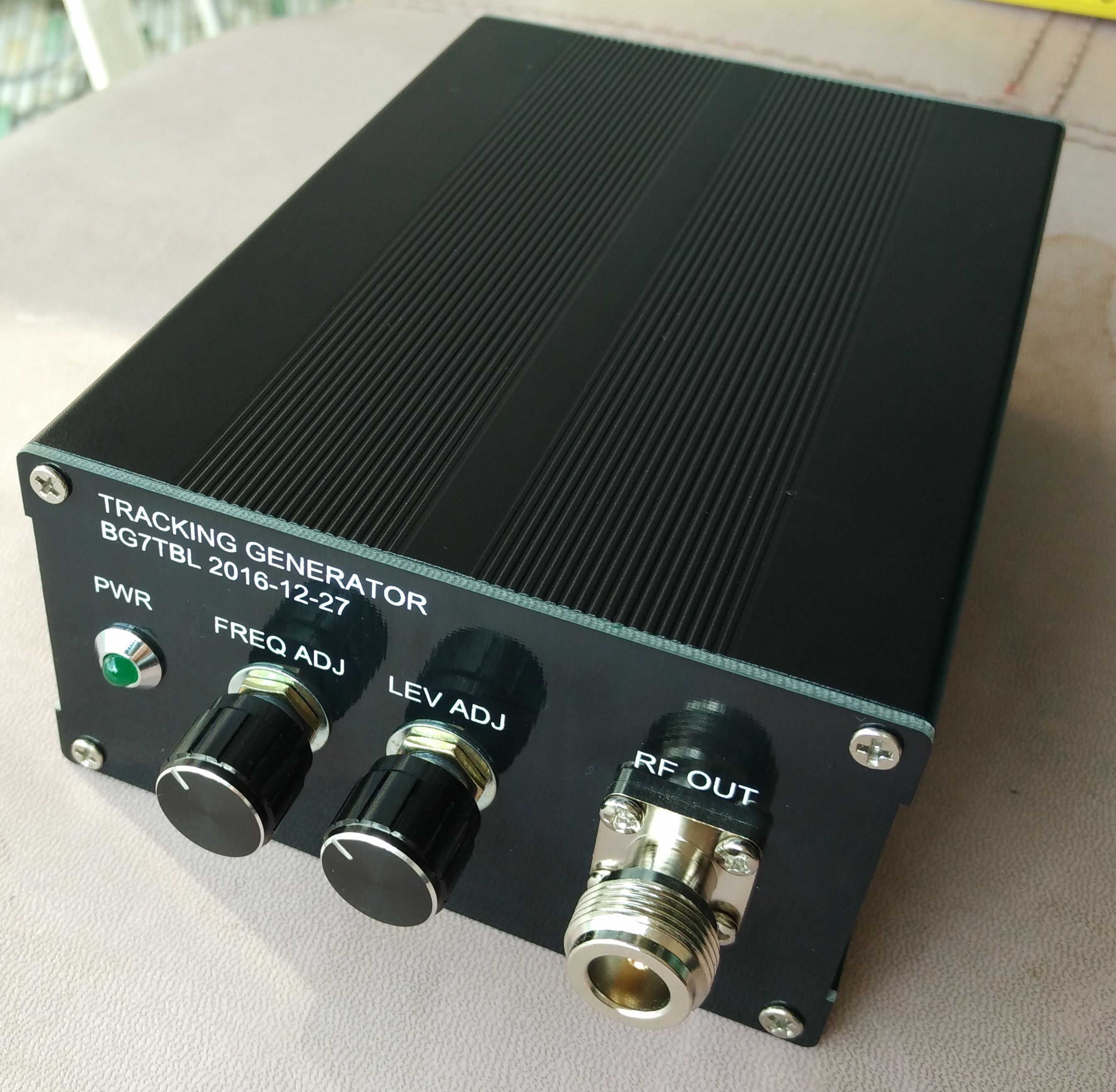 by BG7TBL MS2601 MS610 ANRITSU spectrum tracking source 50K-1.8G universal tracking source