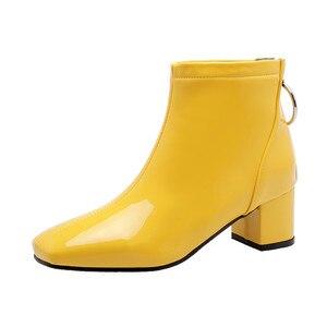 Image 5 - YMECHIC בתוספת גודל ממתקי צהוב לבן שחור ורוד בלוק עקבים גבוהים אופנה קרסול מגפי חזרה רוכסן מתוק לוליטה נעלי חורף 2019
