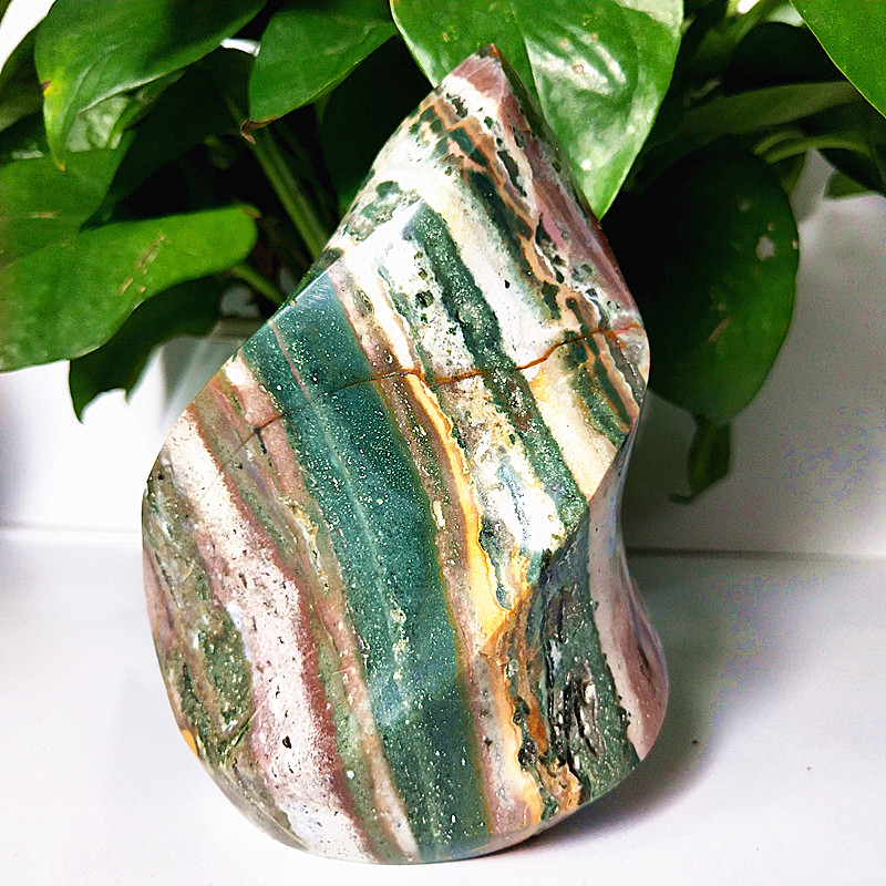 100% Natural Stones Sea Jade Crystal Flame Decorated Agate Ice Cream Mineral Specimen
