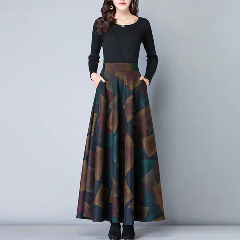 Women's Autumn Winter Retro Printed High Waist Loose Skirt Female Large Swing Pleated Fashion Skirt