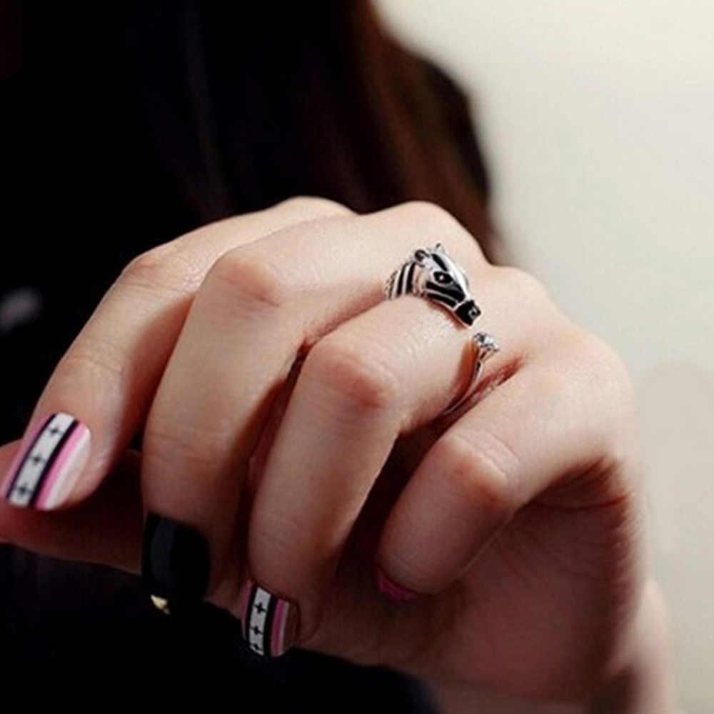 1PCS Elegant Trendy ม้าหัวสัตว์แหวนแฟชั่นผู้หญิงโชคดีคริสตัลเปิดแหวนแฟชั่นเครื่องประดับ