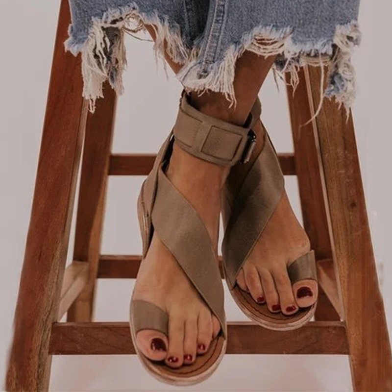 Sandalet kadın gladyatör toka ayakkabı kadın bayanlar Flats sandalet moda Flip flop Sandalias kadın kadın yaz ayakkabı 2020