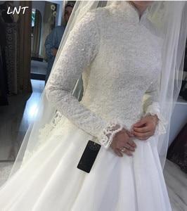 Image 2 - צנוע מוסלמי שמלות כלה ארוך שרוולי צווארון גבוה כלה שמלות מחוך חזור