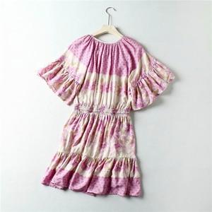 Image 2 - 빈티지 세련된 여성 히피 꽃 프린트 새시 탄성 허리 보헤미안 미니 드레스 숙녀 플레어 슬리브 Boho 드레스 vestidos