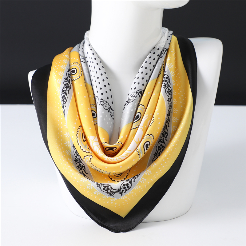 2020 Luxury Women Brand Silk Neck Scarf Shawls Hair Band Wraps Lady Square Scarves Design Print Bandana 70*70cm