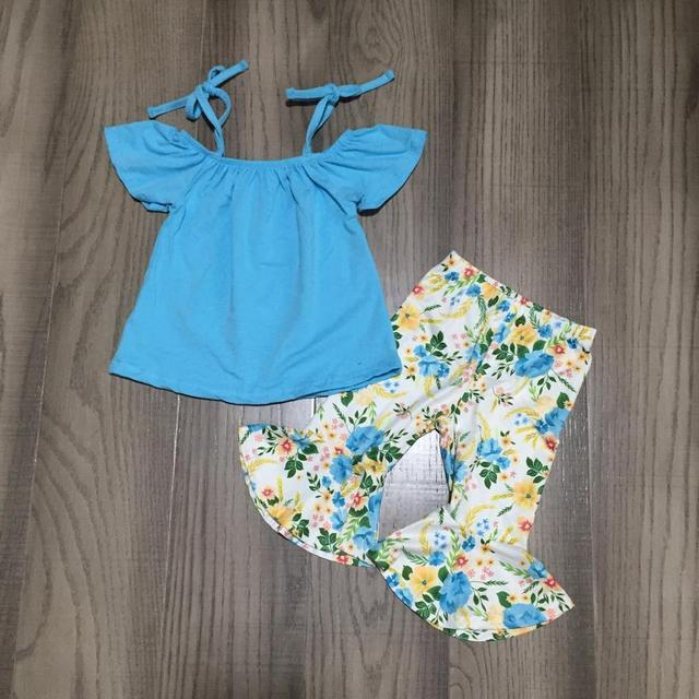 Nuovi Arrivi Del Bambino di Estate Delle Ragazze Blu Fiore Floreale Cravatta di Seta Del Latte Superiore Del Modello Vestiti Dei Bambini Capris Boutique