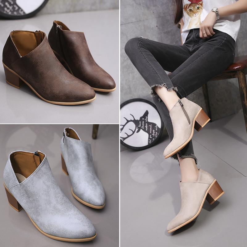 2019 autumn high heels women quality PU thick with shoes Pointed retro mature woman plus big size 43