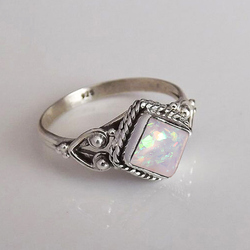 Huitan Hot Sale Colorful Simulated Opal Ring For Women Geometric Design Valentine Days Gift For Girlfriend Retail&Wholesale Ring