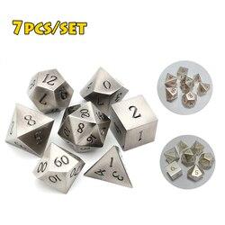 Clássico metal dados digitais para mesa dnd rpg mtg mesa jogos de mesa prata preto d4 d6 d8 d10 d12 d20 7pcs matemática ensino