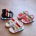 1 пара детских сандалий; Летняя Пляжная повседневная обувь для детей; Светодиодный светильник; подошва; новый дизайн