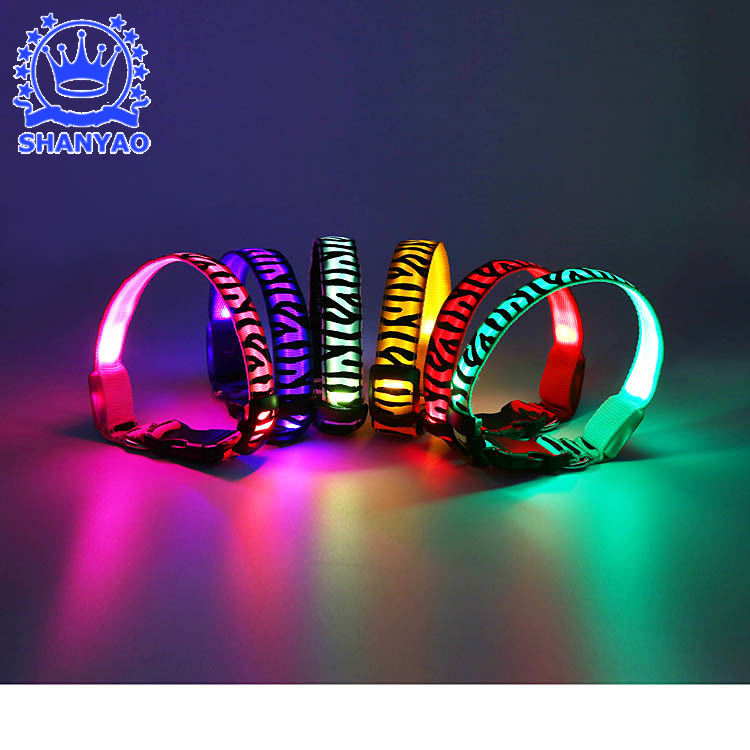 New Style LED Shining Zebra-stripe Pet Collar Dog Night Light Neck Ring Outdoor Walking Dog