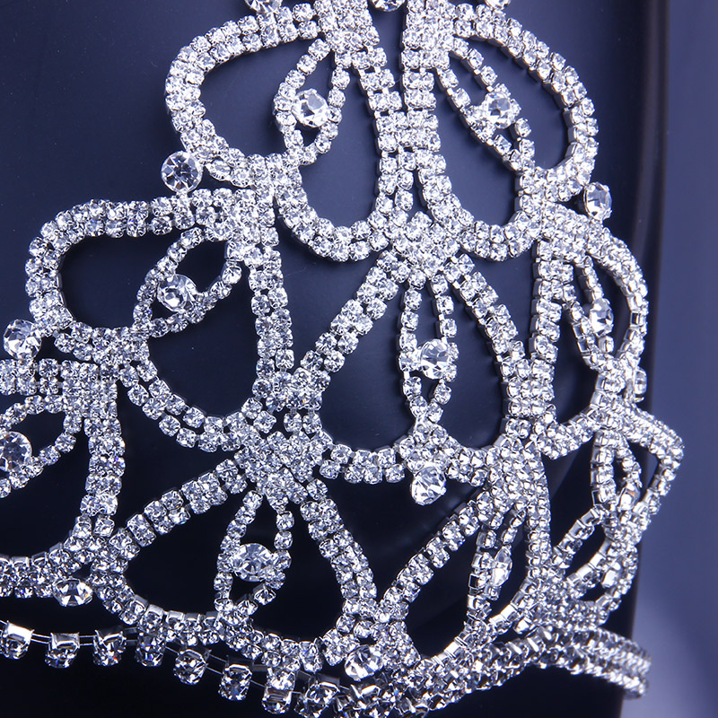 Image 4 - StoneFans Statement Charming Heart Rhinestone Body Jewelry Bra for Women Party Body Bralette Chain Necklace Top Christmas GiftBody Jewelry   -