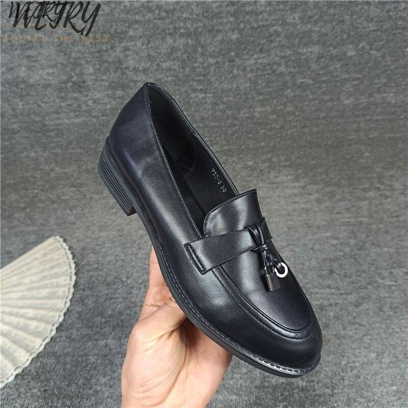 €12.14 50% СКИДКА|2020 женские туфли на плоской подошве из натуральной кожи; модные повседневные женские лоферы суперзвезды; однотонные женские туфли с бахромой; мягкая обувь; большие размеры 36 41|Обувь без каблука| |  - AliExpress