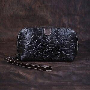Image 3 - Johnature Retroกระเป๋าสตางค์ 2020 ใหม่ของแท้หนังHandmadeลายนูนกระเป๋าสตางค์สตรีและกระเป๋าสตางค์Leisure Day Clutches