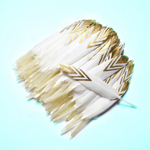 20pcs beautiful Gold dipped Duck Feathers for crafts jewelry  making 10-15CM white DIY plume home Party decoration