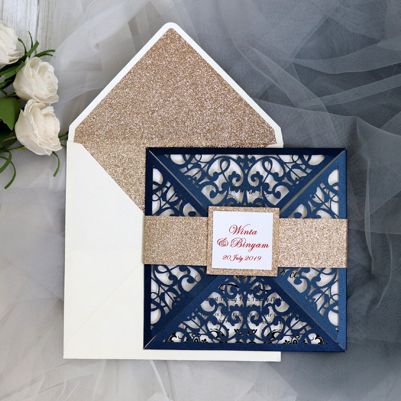(50 pieces/lot) Laser Cut Flower Navy Blue Wedding Invitation Card Gold Glitter Customized Engagement Square Invitations IC060