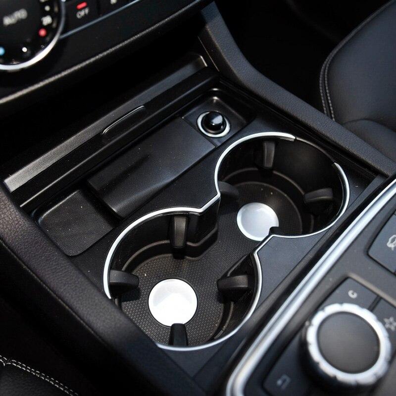 Interior do carro beber copo titular rolo