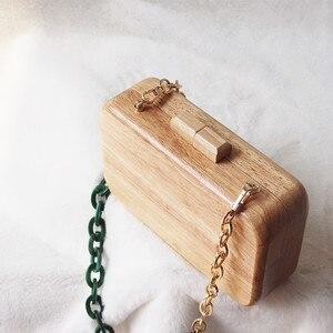 Image 3 - 2020 neue Marke Mode Frauen Umhängetasche Niedliche Handtasche Solide Abend Tasche Vintage Brieftasche Acryl Kette Holz Casual Prom Kupplung