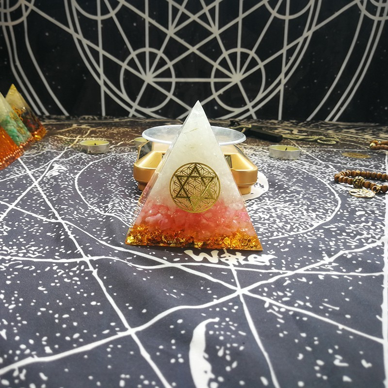 Orgonite Energy Pyramid Anahata Chakra Ariel White Crystal Powder Crystal Courage Pyramid Resin Jewelry Decoration