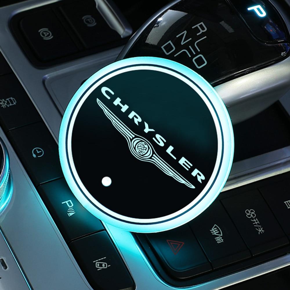 2 pçs led suporte de copo esteira usb colorido rgb logotipo do carro bebida titular luz para chrysler 300 300c 200 200c pacifica voyager sebring