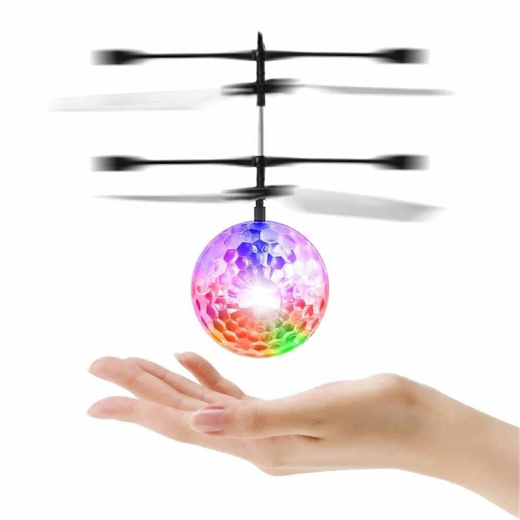 التحكم عن بعد يطير وامض الكرة اليد التحكم عن بعد أرسي هليكوبتر تحلق كوادكوبتر الطائرة بدون طيار مصباح ليد الكرة مضحك لعبة هدية للطفل