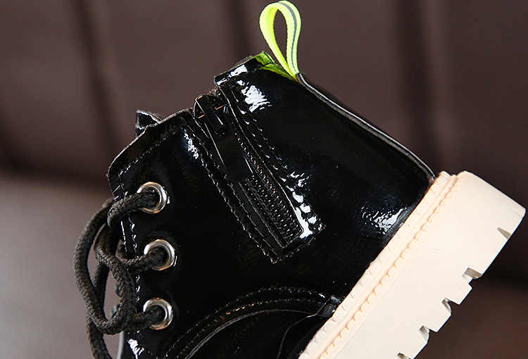 Sonbahar yeni çocuk botları kore versiyonu düz renk deri Martin çizmeler kız yan fermuar gökkuşağı çizmeler gelgit çizmeler