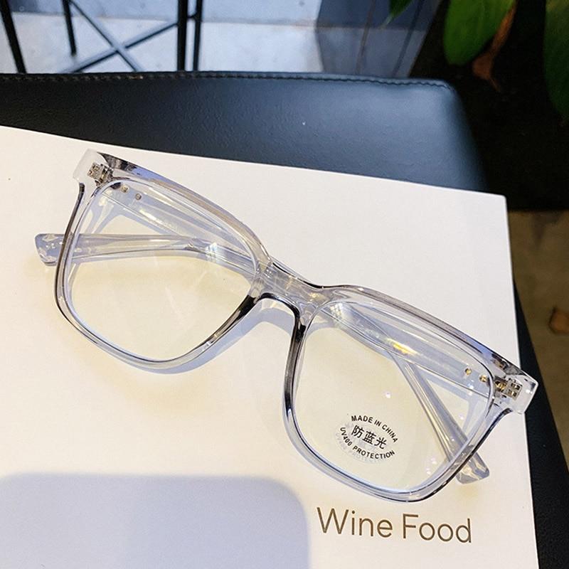 High Quality Square Blu-ray Lens Glasses Frame Women Trending Myopia Nerd Optical Glasses Women Men Eyeglasses Rivet Frame