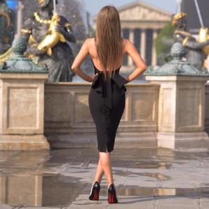 Image 1 - Blanco negro Halter espalda descubierta vestidos de cóctel vestidos coctel 2019 semi formal vestido azul de fiesta mujeres Sexy traje de Graduación