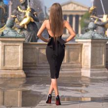 白黒ホルターネック背中カクテルドレス vestidos coctel 2019 セミフォーマルドレスブルーパーティー女性のセクシーなローブ