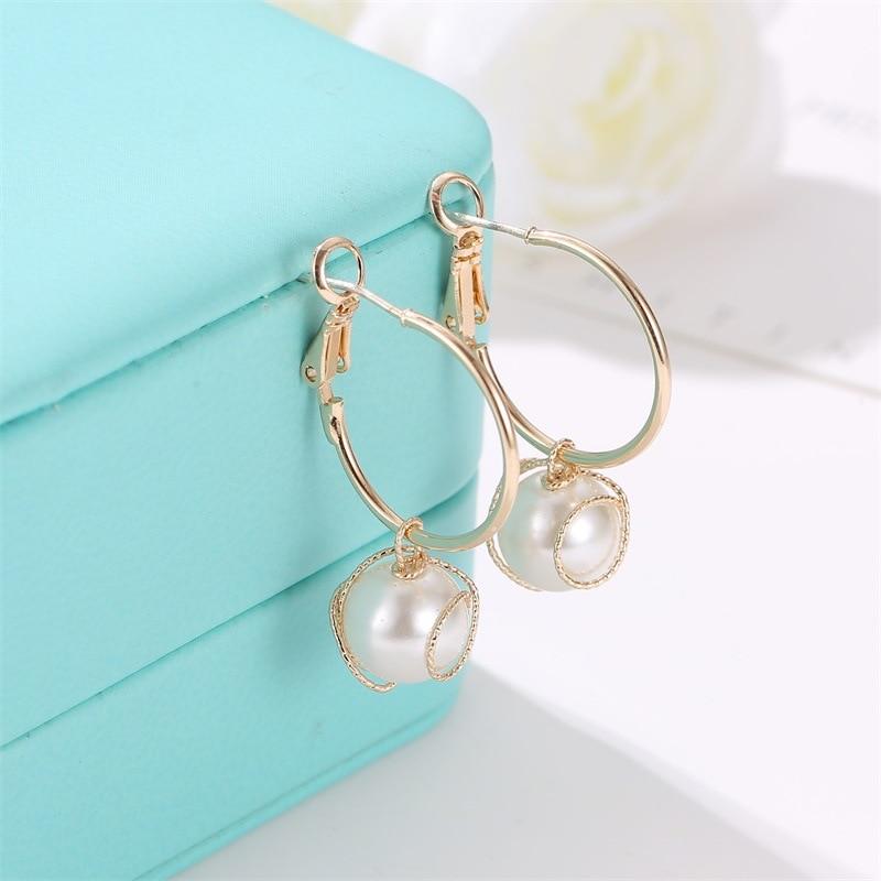 Korean Version of Simple Personality Earrings Retro Temperament Winding Pearl Lady Ornaments Boho