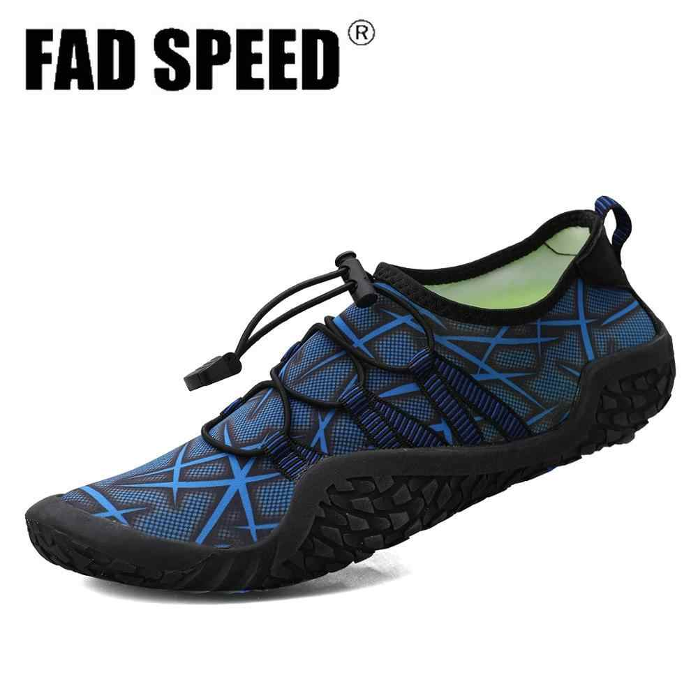 2020 Aqua Shoes Men Men Beach Shoes For
