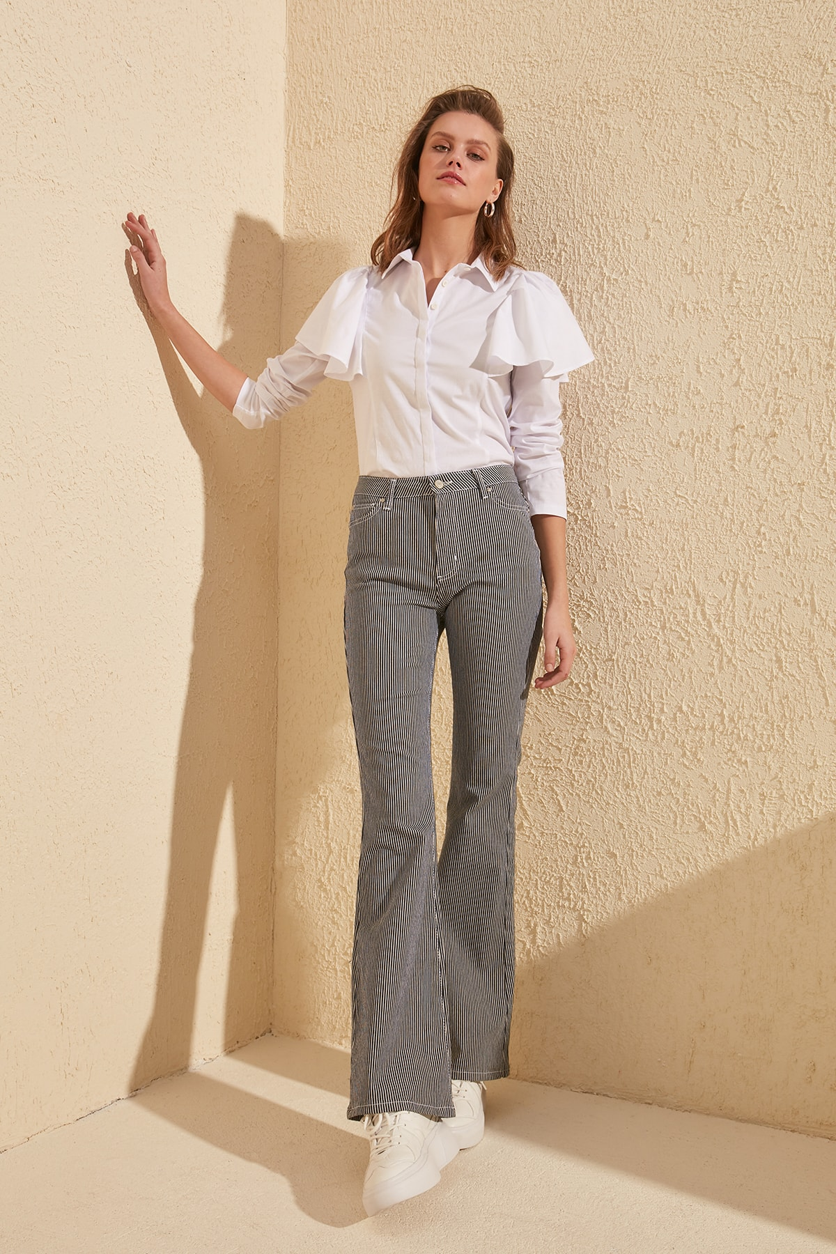 Trendyol Striped High Waist Flare Jeans TWOSS20JE0123