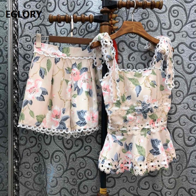 2020 Spring Summer Fashion 2 Piece Sets Women Beautiful Flower Print Lace Patchwork Vest Tops+ White Black Apricot Shorts Set