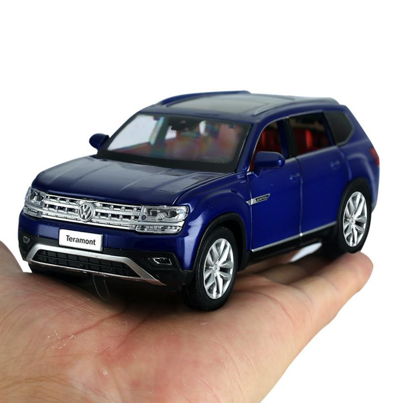 High Simulation 1:32 Alloy Pull Back Car Model,6 Door Simulation Sound And Light Off-road Vehicle,free Shipping