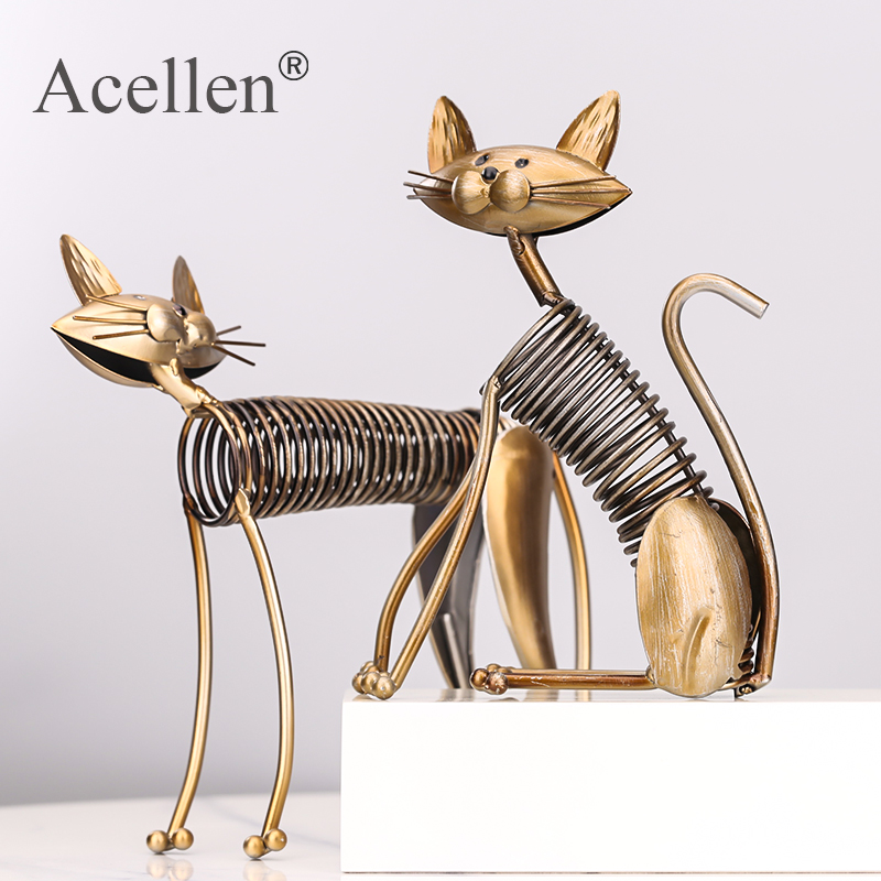 Three Cats Figurines One Set Three Kittens Handmade Metal Sculpture Collection Iron Home Decoration Accessories Creative Gift(China)