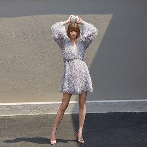 Image 4 - [EAM] femmes gris gland ceinture tempérament robe nouveau col en v à manches longues coupe ample mode marée tout match printemps automne 2020 1B158