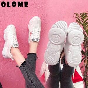 Image 2 - Scarpe Da Tennis delle donne Nuova Versione Coreana Con Orso Traspirante Fondo vecchie Scarpe Super Fuoco Scarpe Sportive Femminili Piccole Scarpe Bianche delle donne scarpe  scarpe donna scarpe ginnastica donna