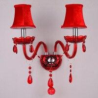 Kryształ w europejskim stylu kinkiet LED E14 czerwona ściana światło wykorzystanie do sypialni salon małżeństwo pokój kryty oprawa oświetleniowa w Wewnętrzne kinkiety LED od Lampy i oświetlenie na