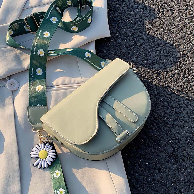 Crossbody Bag For Women Small Daisy Shoulder Bag High Quality PU Leather Saddle Bag Women Wide Shoulder Strap Messenger Bags