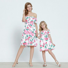 Mom and Me Dress Family Matching Clothes Summer Fashion Strapless Pink Floral Print Mother Daughter Dresses