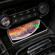 Wireless Car Charging Stand 10W Non-slip Car Phone Holder Wireless Charger Pad Fast Charging Pad For iPhone 12 11 Pro XR Samsung