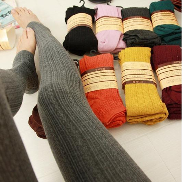 Hot Sale Winter Warm Leggings Women's Warm Skinny Slim Leggings Stretch Knitted Thick Stirrup Pants Winter Leggings Solid