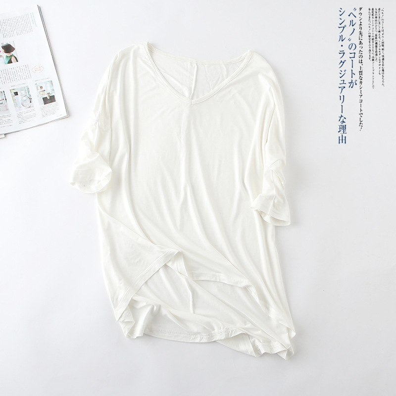 2020 New Bat Sleeve Middle Sleeve T-shirt Female Casual V-neck Solid Color Plus Size Bottoming Shirt White