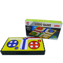 Маленькая коробка портативные детские игрушки повседневные головоломки складные с магнитной летающей Людо шахматы