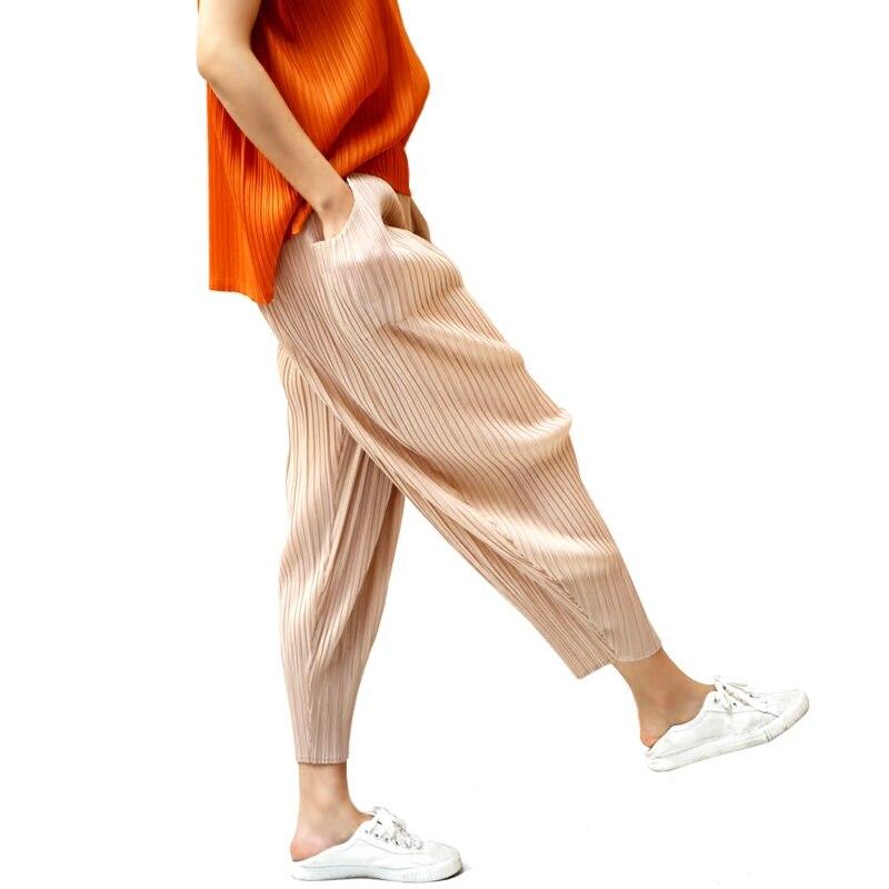 Kadın Giyim'ten Pantalonlar ve Kapriler'de 2019 Sonbahar Kadın harem pantolon Miyak Pilili Orijinal tasarım elastik bel gevşek Kadın Pantolon stilist Gelgit Uzun Pantol'da  Grup 1