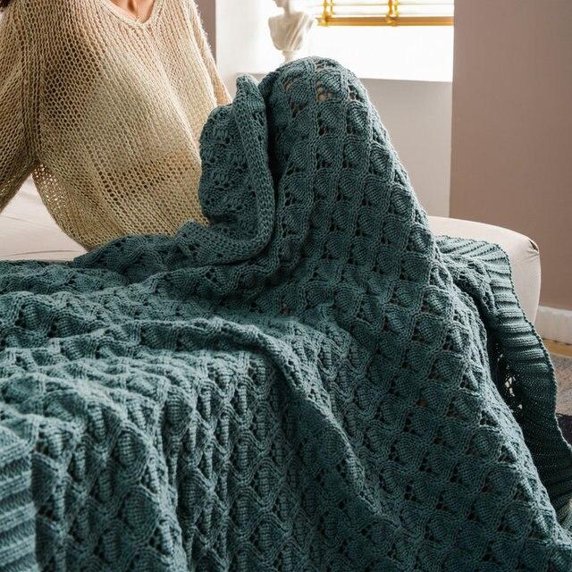 Couverture tricotée à motifs géométrique Plaids et Couvertures Cocooning.net