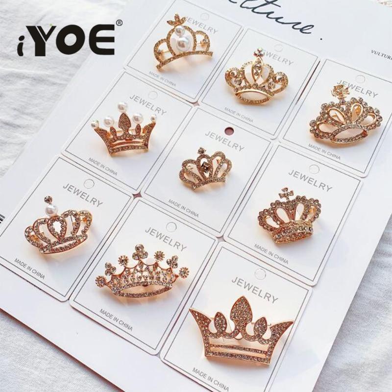 IYOE 18 видов стилей золото Цвет Корона броши для Для женщин обувь для девочек со стразами и жемчугом, брошь на застежке, значок с крестом для во...